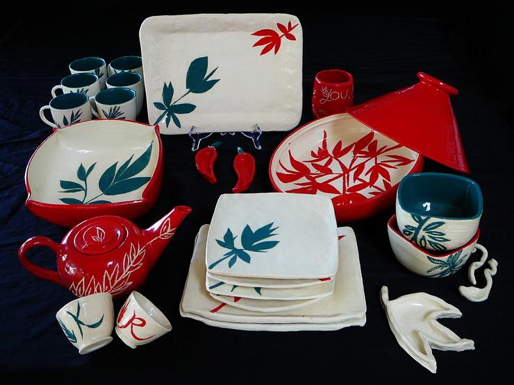 Sydney Hens Party Pottery Dinner Set