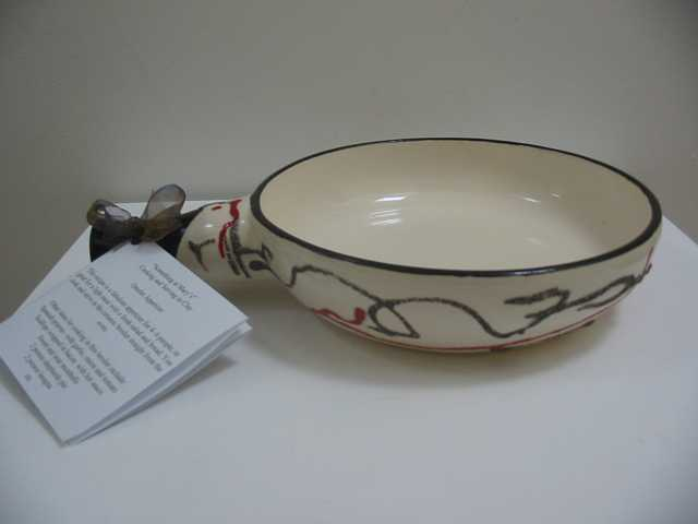 Single handled ceramic broiler