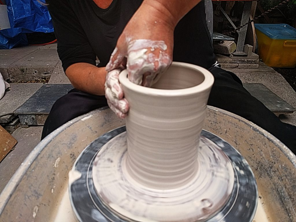 advanced pottery wheel throwing big vase